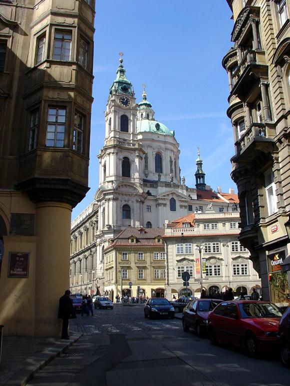 Прага, Костел св. Николая (на Малостранской площади)