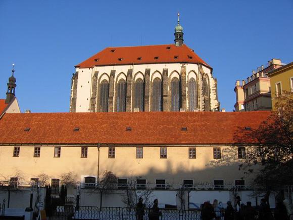 Прага, Костел Девы Марии Снежной