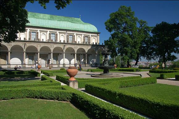 Прага, Летний королевский дворец