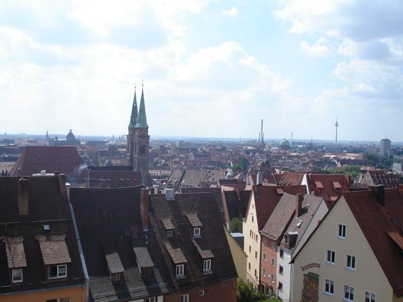 Вид на Нюрнберг со смотровой площадки замка