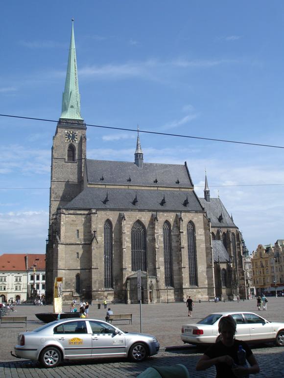 Доминанта города - собор св. Варфоломея. Самый высокий собор в Чехии