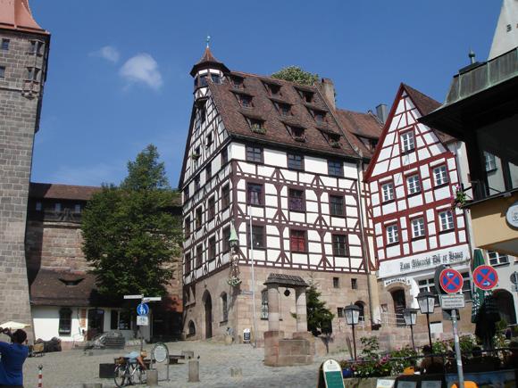 Вот такие домики и ассоциируются с бюргерской Германией