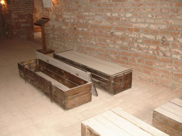 Гробы использовались много раз
