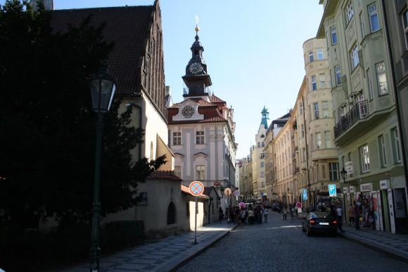 Фото Праги. Староновая синагога и Еврейская ратуша