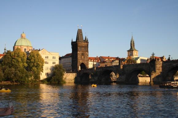 Фото Праги. Вид на староместский берег