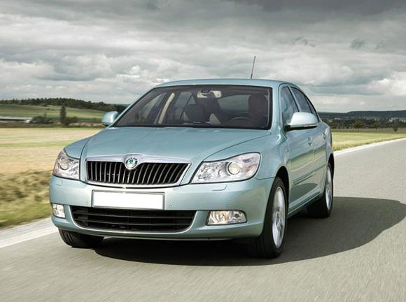 Что предпочесть для автопутешествия по Чехии: собственный или арендованный автомобиль?