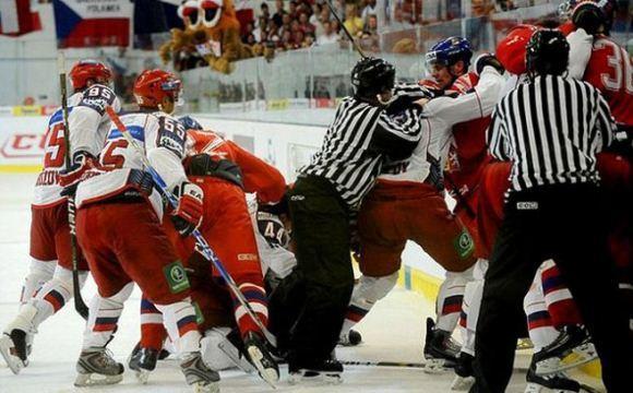Хоккейные команды Чехии и России сыграют в Карловых Варах и Праге